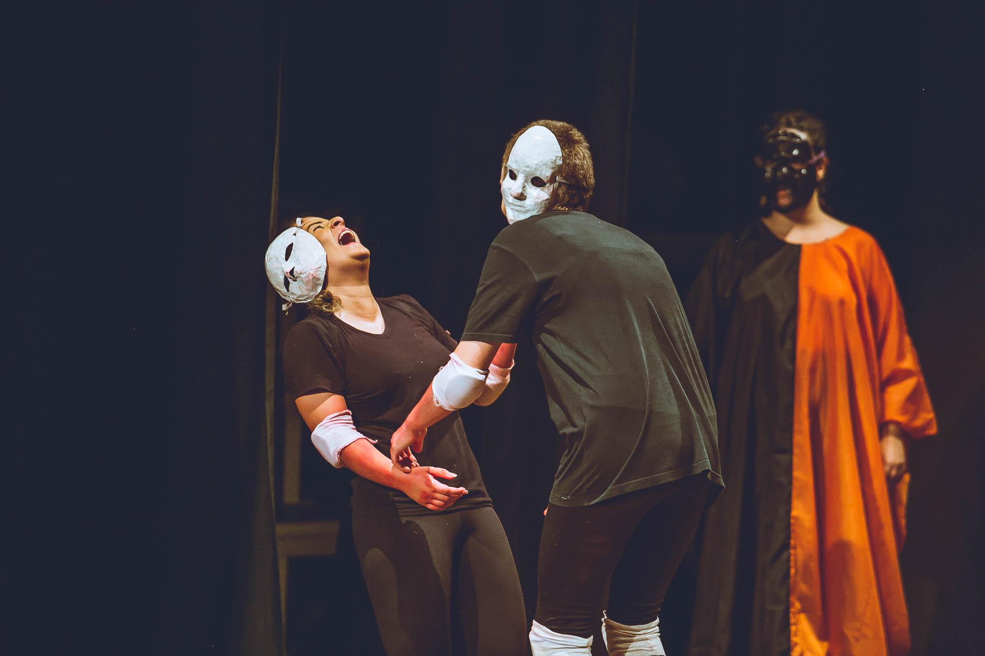 Fotos do espetáculo: Baile de Peruas ou #autoironiaatodaprova